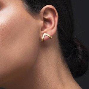 Goldfarben ENTZÜCKENDEN BUMBLE INSECT GEFORMTEN STUD EARRINGS ANIMAL Schmuck für Frauen-Mädchen-Geschenk Dreieck-Ohrstecker