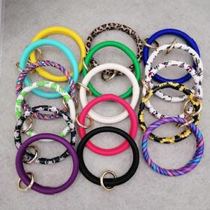 PU-Leder Schlüsselanhänger Armband-Keyring große Kreis-Schlüsselring-Kette mit Monogramm-Armband-Halter Schmuck Accessoires für Frauen Mädchen