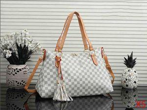 2020 Wholesale Ladies Designer Handbag Luxury Fanny Pack For Women Waist Bag Chest Bags Casual Brand Bags 2062807Q