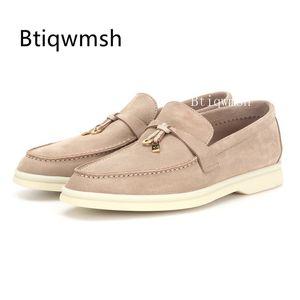 2019 estilo britânico preguiçoso Shoes Mulher Rodada Toe metal Bloqueio de couro reais sapatas lisas das senhoras confortáveis Oxford passeio casual Sapatos