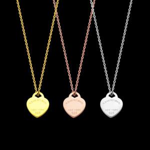 marchio di moda di disegno di amore del cuore pendenti delle collane di catena dei monili delle donne Accessori inossidabile delle donne zircone cuore di amore collana