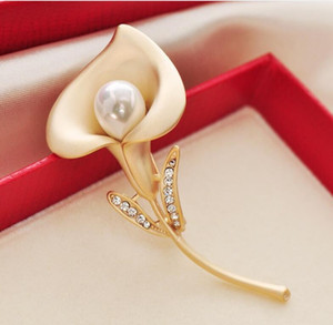 2020 dressing brooches pins accessories Crystal Rhinestone Sapphire brooch pearl Ginkgo leaf biloba paragraph coat pin mountings
