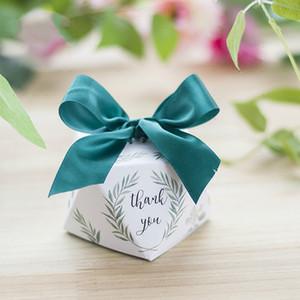 Forma de diamante Hojas verdes estilo bosque Caja de dulces Favores de boda y regalos Artículos de fiesta gracias Caja de regalo 100pcs