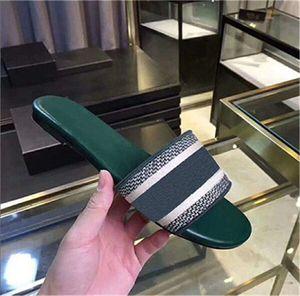 Синий White Stripes Сандалии Открытый Бич 2020 Причинная дамы из натуральной кожи Подошва Box Denim Flat Тапочки новые сандалии летние моды обувь
