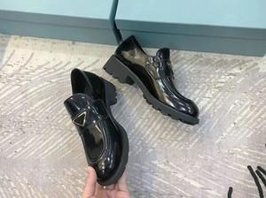 2020 As últimas mulheres que combinam tênis, sapatos de moda lac low-top, sapatos de design clássico vestido, tamanho 35-40