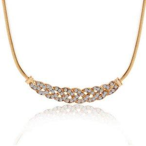 Nova Prata Upscale Luxo 8 palavra torção brilhante Rhinestone curto clavícula Declaração Cadeia de Cristal Colares Mulheres