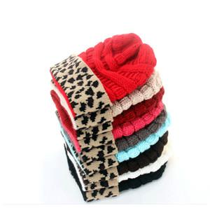 A maglia di inverno delle donne Cappelli Leopard Patchwork lavorato a maglia CC Berretti Sport Ski Warm Skull Caps unisex di lana all'uncinetto Berretti