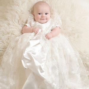 Bonito encaje blanco Vestidos de bautizo para bebés Vestidos de bautizo de manga corta para bebés de época Vestidos de bautizo para niños Vestido