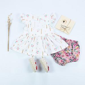 Kız Bebek Baskı Elbise Çocuk Eğlence Giyim Kız Yenidoğan Bebek Uçan Kollu Küçük Çiçek Etek Aşk Openwork Elbise 19