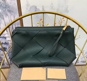 Unisexe sacs à main tissés cramponne cuir design italien cinq étoiles qualité ouverture de fermeture à glissière tricotée main sac Menottes IPHONE intérieur