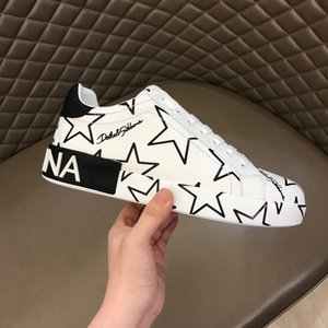 Best Quality Graffiti mens oversized designer shoes luxury women famous shoes Party Paris designer sneakers With wide painted soles R118