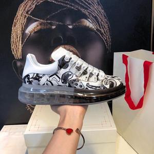 Primavera e Verão 2019 Esportes atualizado Explosivo Edição de sola grossa sapatos de alta Transparente Almofada Vacuum Rubber Cristal inferior Moda Lei
