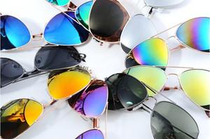 Fabrik Großhandel Neueste Mode Klassischen Stil Metallrahmen Farbigen Spiegel männer und frauen Sonnenbrille Mode-accessoires Gläser YD0058