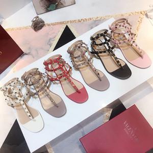 Mais novo 2019 estilo de design da marca de Couro Mulheres Sandálias Stud Slingback Bombas Senhoras Sexy Moda rebites Moda sapatos T-cinta 6 Cores