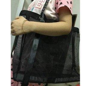 2019 Saco de compras de alta capacidade de malha clássica de alta qualidade / enviar bolsa de trompete e conjunto de fitas / senhoras lavando sacos de lápis cosméticos Presente VIP
