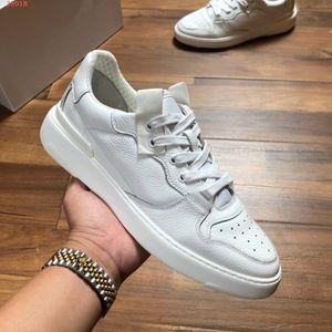 Дизайнер Geunine кожа Flats обувь Wing Low Sneakers Men тон в тон Париж кроссовки партии Белые босоножки Повседневная обувь, размер: 38-44
