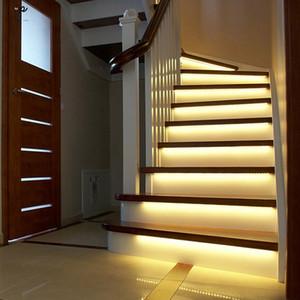 Inteligente de la escalera de luz 3M 2M 1MLED debajo de la cama de luz del sensor PIR Armario de cocina Armario de control del detector de la lámpara de pared inteligente