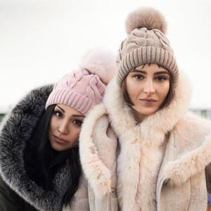 Hiver Femmes Twist Bonnet tricoté chaud Pom Pom boule de fourrure polaire laine doublé Hat crâne Bonnet Crochet Ski Outdoor Casquettes Beanies LJJA3104