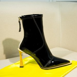 Novas Mulheres Designer Sexy Salto Alto Ankle Boots Marca senhoras botas de couro de patente Pointed Toe 9,5 centímetros Motocycle botas Martin botas Shoes35-40
