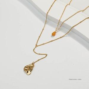 Collana in pietra naturale dorata, taglio a goccia Beat Pendrip a forma speciale dorata