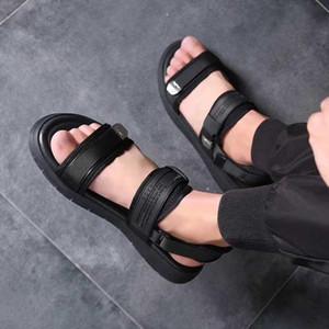 Novo Designer TN Plus Chinelo Praia Do Verão flip flop Preto Branco Sandálias Casuais Sapatos Indoor Não-slip Mens Sports Loafer Para Caminhar