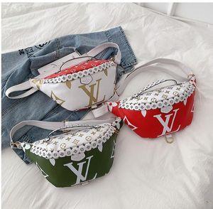 Bolsa de hombro de moda de lujo Bolsa de cintura mujeres de los hombres de la marca impresa letra de las mujeres del bolso de Crossbody del paquete de Fanny deporte al aire libre Bolsas tres B102491K estilo