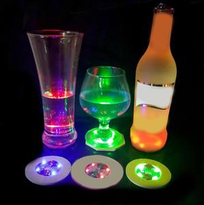 LED 발광 빛 코스터 6CM 라운드 맥주 음료 등 병 패드 바 재미있는 소품 다채로운 LED 조명 병 스티커 플래시 컵 스티커 파티 선물