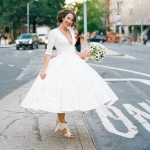2020 Vintage Design 1950 vestidos de noiva Tea Duração profunda V Neck meia manga estilo simples de cetim A noiva curto Linha Vestidos Custom Made