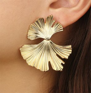 Bohême géométrique Or Couleur feuille de Ginkgo biloba Forme Boucles d'oreilles pour les femmes Déclaration d'oreilles bijoux style punk T478