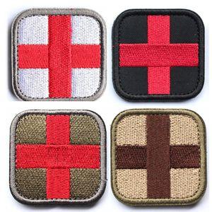 Bündel 4 Stück Military Medical Cross Patches Exquisit bestickte Abzeichen Applikationen für Kleidung mit Hakenschlaufe