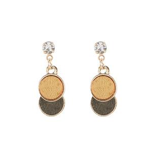 Pendiente creativo Mujer Borrar CZ perlas de imitación de madera de color esmerilado Ronda geométrica del oído Mujeres Espárragos joyería