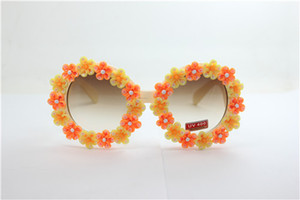 Drop free shipping quality NEW summer round white frame yellow and orange rose flower clay flower UV 400 plastic sunglasses 29