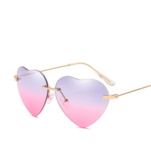 Wholesale 2018 New Hot Sale Retro Love Street Heart shaped Sunglasses Metal Summer Reflective UV Sun Glasses Vintage Mirror