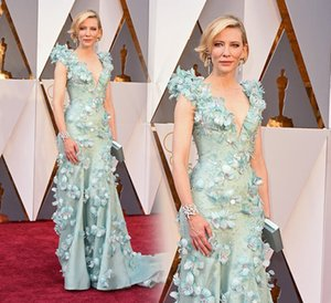 Cate Blanchett Oscar Celebrity Dresses High-End Handmade Flowers Decorated Red Carpet Gowns Sexy Deep V Neck Sheath Evening Dress on Sale