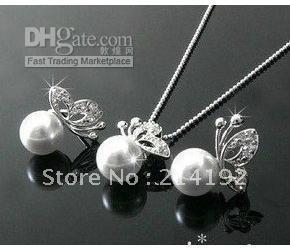 Wholesale Silver Plated White Pearl and Butterfly Pendant Necklace and Earrings set