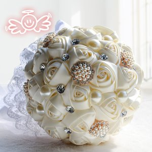 Wholesale Four Colors Handmade Artificial Rose Flowers Bouquets For Bride Luxury Romantic Crystal Pearls Wedding Bouquets With Lace Edge Ribbon Cheap