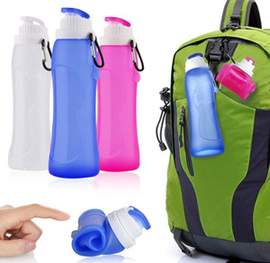 Wholesale Silicone Outdoor Folding Bottles Creative kettle With Key buckle 600ml Telescopic Collapsible Portable Drinkware Hiking Bottles With Box