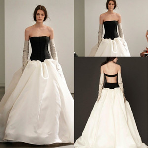 Wholesale Zuhair Murad Vintage Long Evening Dresses Ruffles Formal Women Runway Fashion Strapless Open Back Prom Gowns Events Cocktail Sleeveless
