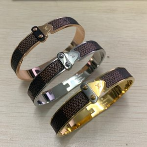 Wholesale Trendy V Shape Silver Color Bracelets bangles Set for Women men Wedding Gift High Quality Stainless Steel Bracelets jewelry Set