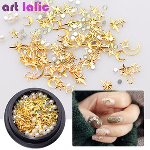 Wholesale Mix Gold Nail Rivet Star Moon Pearl Rhinestones Design Punk Nail Jewlery Silver D Art Decoration For Manicure