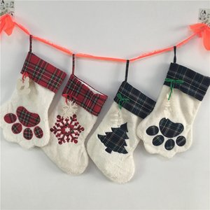 Large Fluffy Santa Socks Christmas Pet Dog Plaid Paw Stocking Hanging Fireplace Xmas Tree Christmas Decoration 08