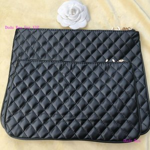 Wholesale New VIP counter Gift quilted fashion pouch logo hardware zipper storage bag makeup Organizer luxury quilted C pattern handbag