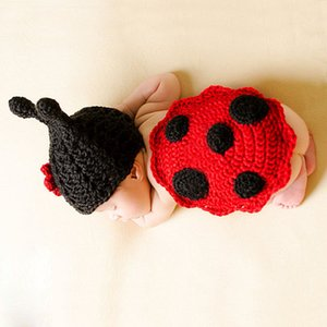 Wholesale Cute Ladybug Design Crochet Newborn Animal Costume Photo Props Knitted Infant Boy Girls Crochet Baby Hats for Photo Shoot