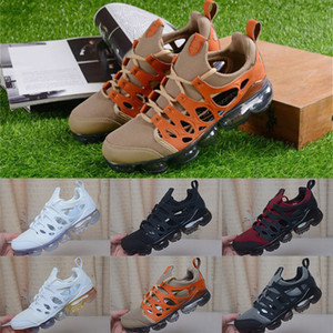 Wholesale 2019 New Designer Men Sandals Fashion Triple Black White Rainbow Brown Mens Breathable Sneakers Trainers Man Outdoor Loafers Casual Shoes