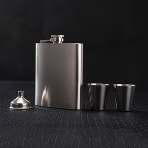 Wholesale Portable oz Hip Flask Set With Funnel Mini Cup Man Gift Box Stainless Steel Hip Flasks Whiskey Portable Drinkware Wine Bottles VF1319 T03