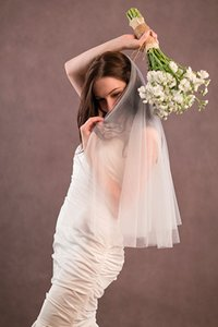 Wholesale New Best Selling Real Picture Elegant Two Layer Cut Edge Elbow Length Custom White Ivory Wedding Veil