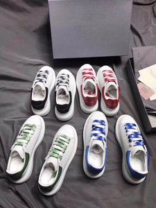 Wholesale 2019 Fashion luxury designer women outdoor shoes for mens white loafers men sneakers dress running shoe platform outdoor trainers loafers