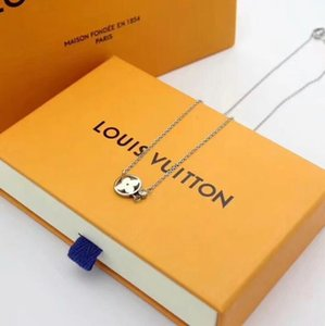 Wholesale Paris Fashion Luxury Designer V shape pendant with diamonds women sweater necklace Styles jewelry gift With box
