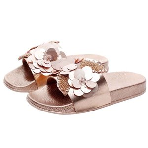 Wholesale 2019 Western Style Womens Flat Slides Sandals Diamante Sparkly Sliders Sequin Flower Slippers Home Comfortable And Soft Shoes