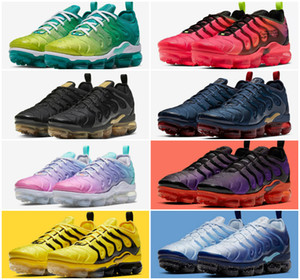 New 2020 TN Plus Running Shoes Triple Black Metallic Silver Gradient Geometric Volt Men Sport Trainers Game Royal Athletic Air Tn Sneakers